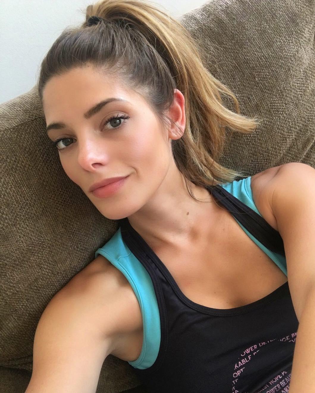 Эшли Грин: Sunday fun day. Still getting my gym sesh in!