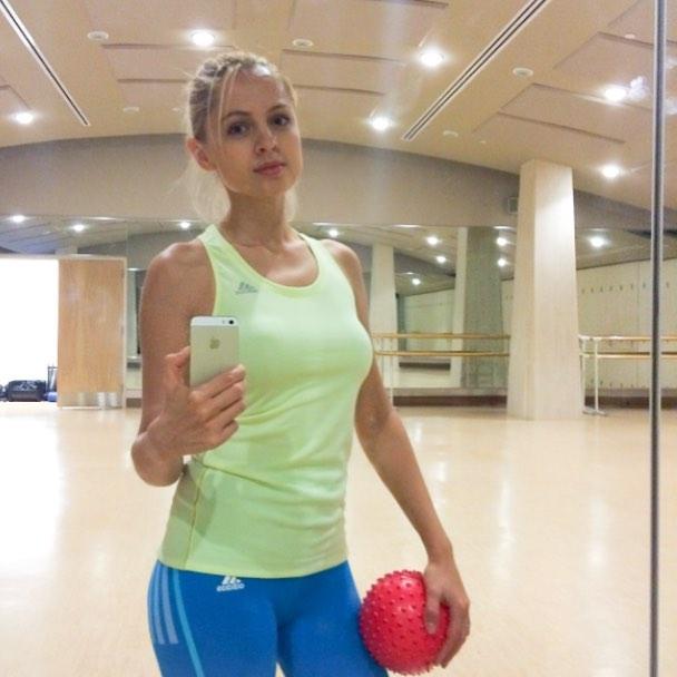 Янина Студилина: #Физкульт привет       а как проходят ваши выходные? #workingout #sundayfunday #stayfit