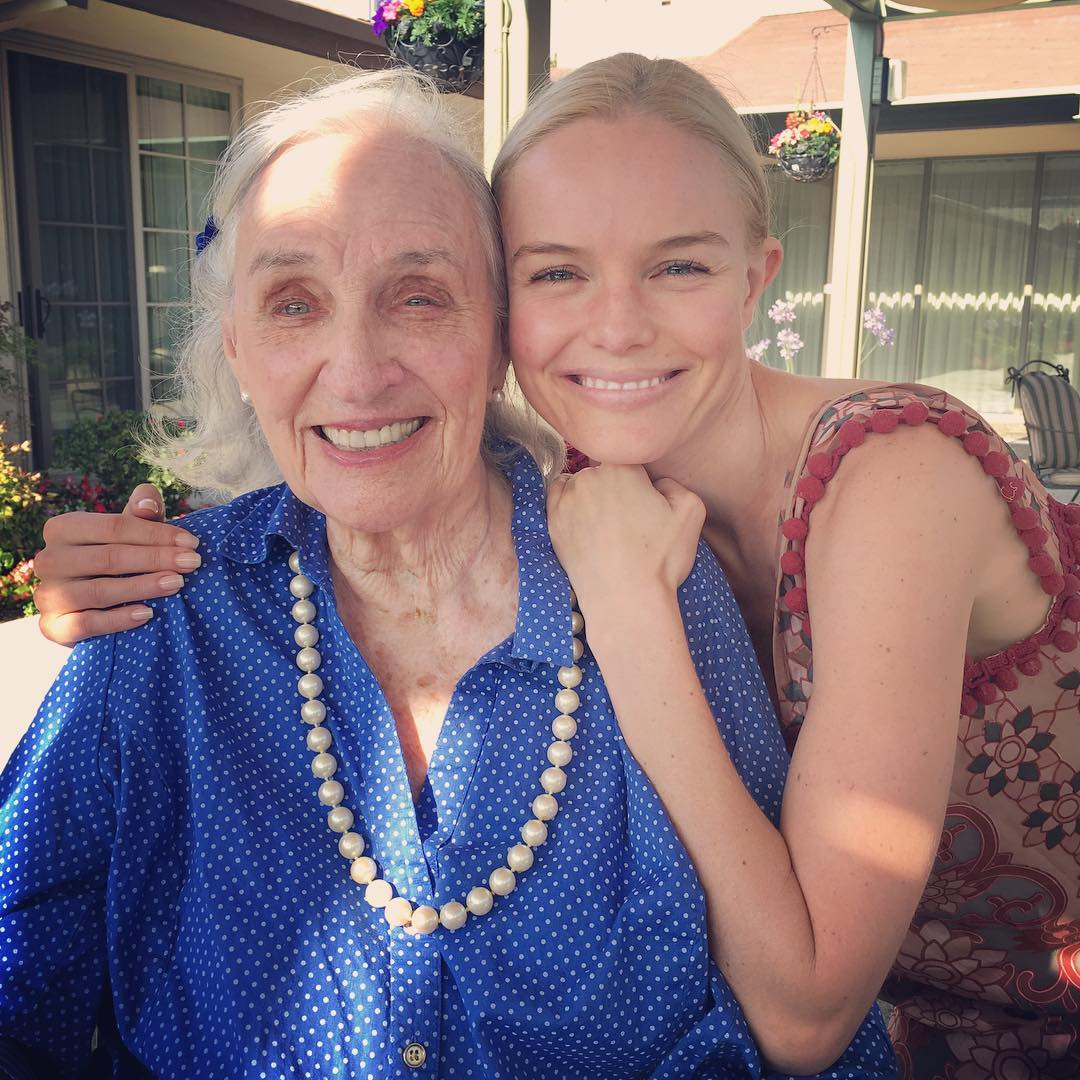 Кейт Босуорт: Happy #nationalbestfriendday... she's been mine all my yrs