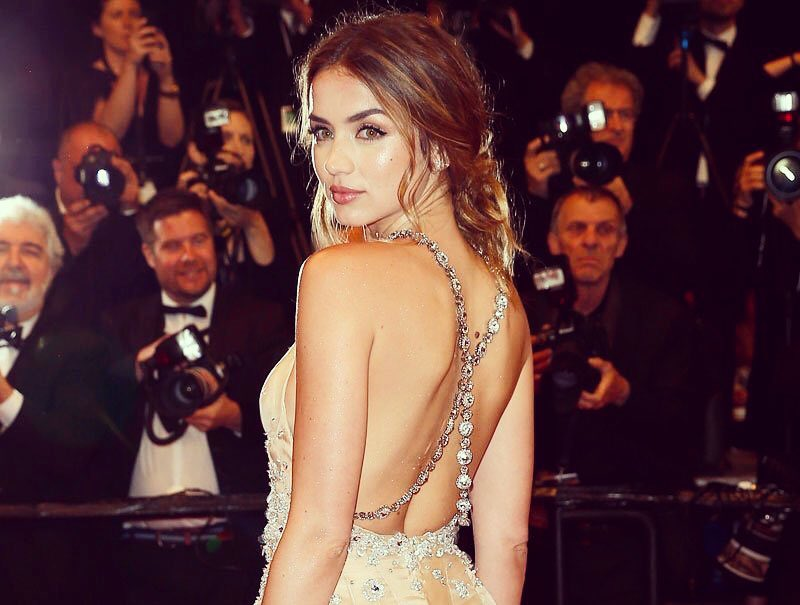 Ана де Армас: Last night was the most magical night of my life. Unforgettable!!!    #HandsofStone Thank you @miumiu for this beautiful dress.#Cannes #cannesfilmfestival #HandsofStone