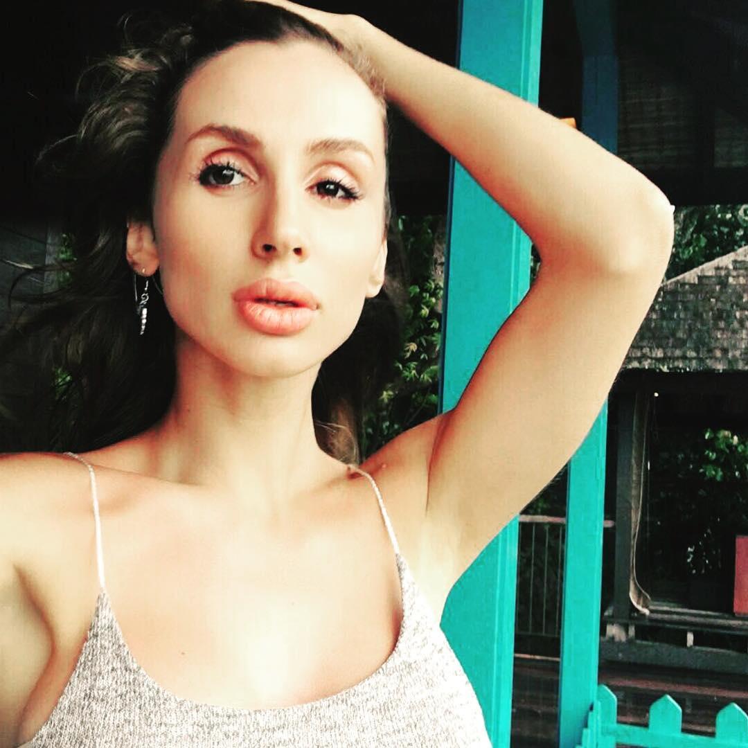 Светлана Лобода: Я так хочу в теплооооо   зима ещё долго, кто знает?