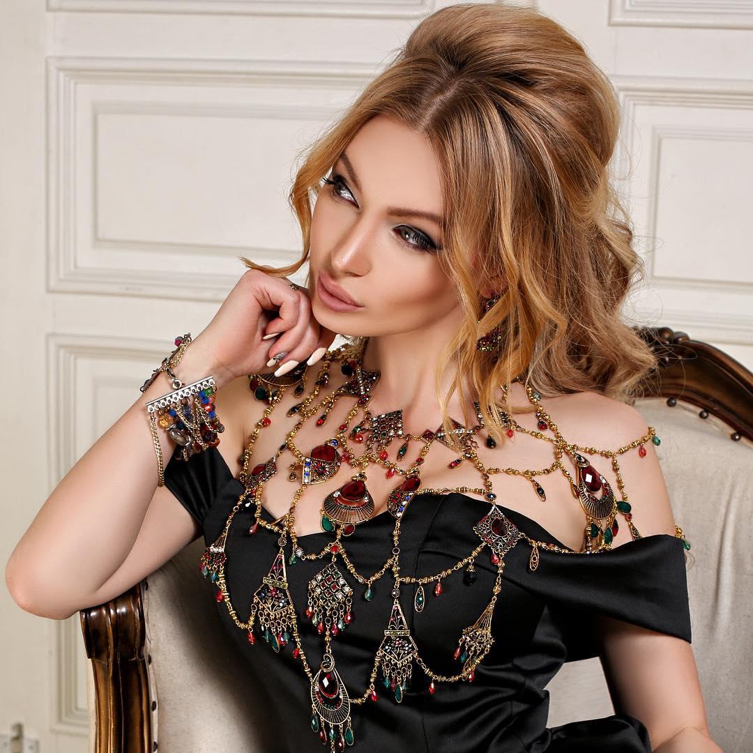 Евгения Феофилактова: Нескучной вам ночки    Ph.@nataliagribova#EVGENIYAGUSEVA#beauty#sweetdreams