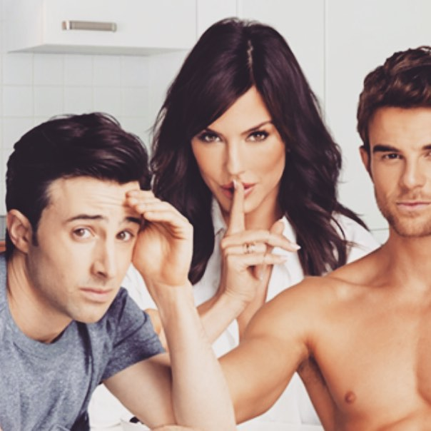 Криста Аллен: So freakin' thankful that @cwsignificantmother is named one of the Top 15 New TV Comedies of 2015. All of this wouldn't be possible if it wasn't for the support of all our significantly amazing fans! #Comedy
