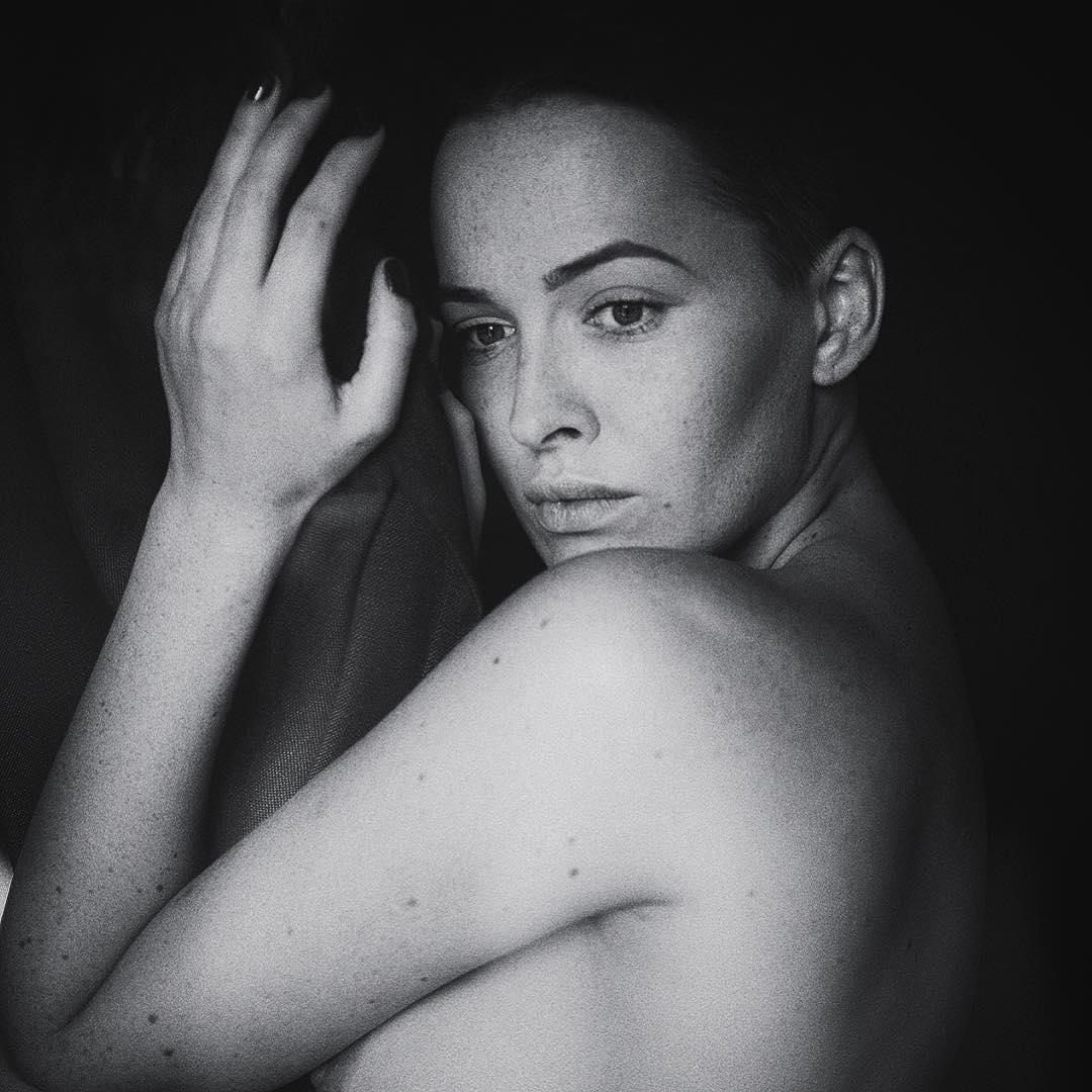 Даша Астафьева: Another one by @martasyrko #makeup by @ivannamamchuk #love #mystery #lviv #2015 #bw #DA #astafieva