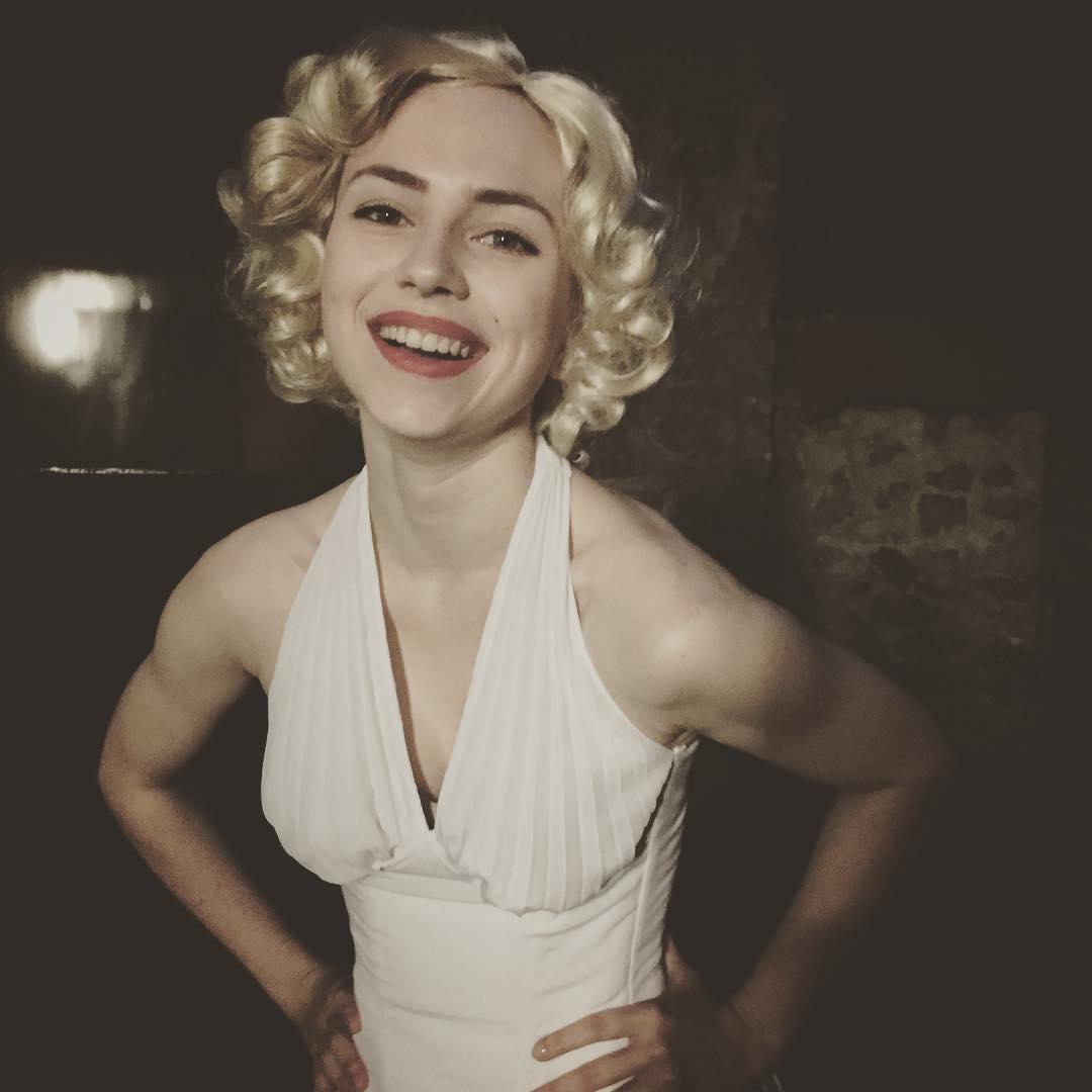 Яна Енжаева: если кто-то вдруг хотел, чтобы я была блондинкой. #тонкиенамёки #нетонкиенамёки