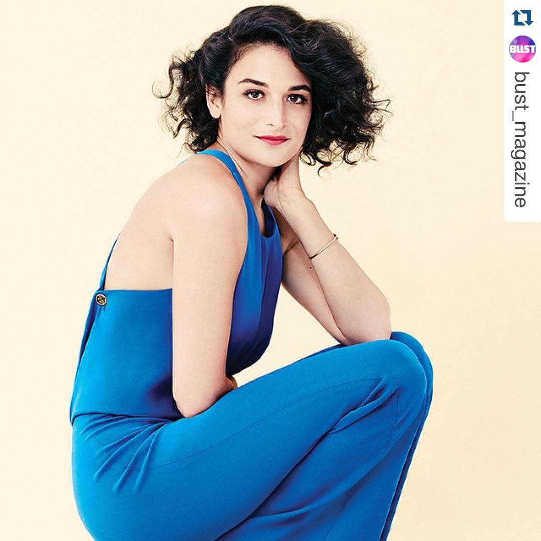 """Дженни Слейт: #Repost @bust_magazine YUH HUH I DID???The magnificent @jennyslate is on the cover of this months BUST magazine. """"It makes me feel a lot of rage when people say they're not feminists, especially when they seem to be saying that in an effort not to..."""